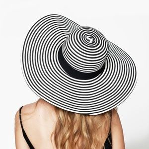 Accessories - *NEW* Black & White Striped Sun Hat